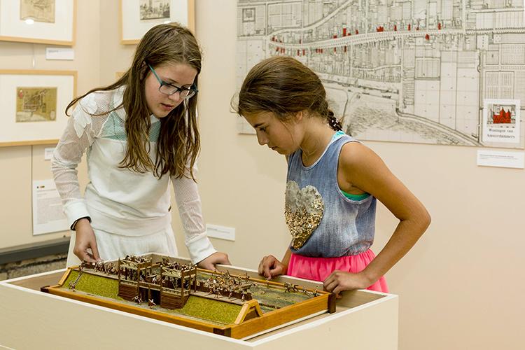 kinderen in het museum kennemerland